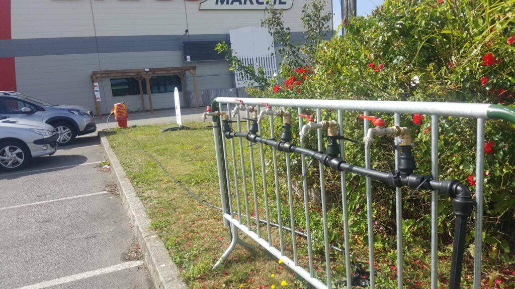 Rampe d'eau parking Bricomarché à Douarnenez